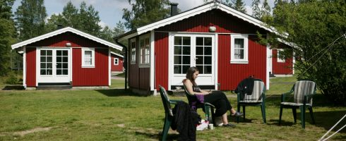 4-bed cabins with bathroom and kitchen