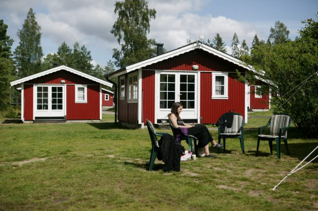 4-bed cabins with shower, toilet and free wi-fi